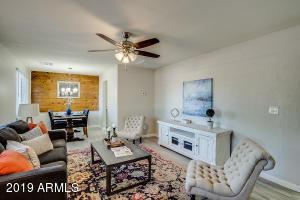 1402 N 37TH Avenue, Phoenix, AZ 85009