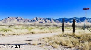 4678 E Dos Casa Road, Dragoon, AZ 85609