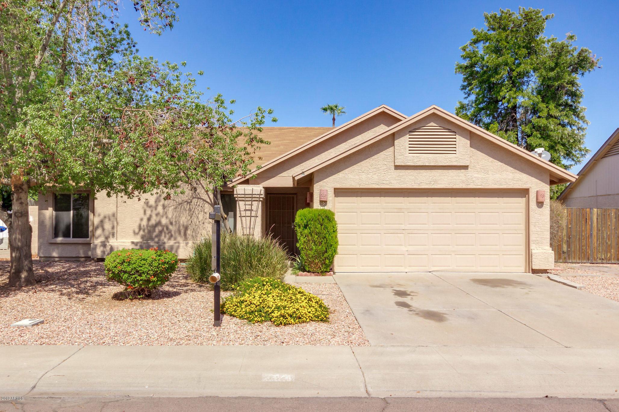 Photo of 714 W MISSION Drive, Chandler, AZ 85225
