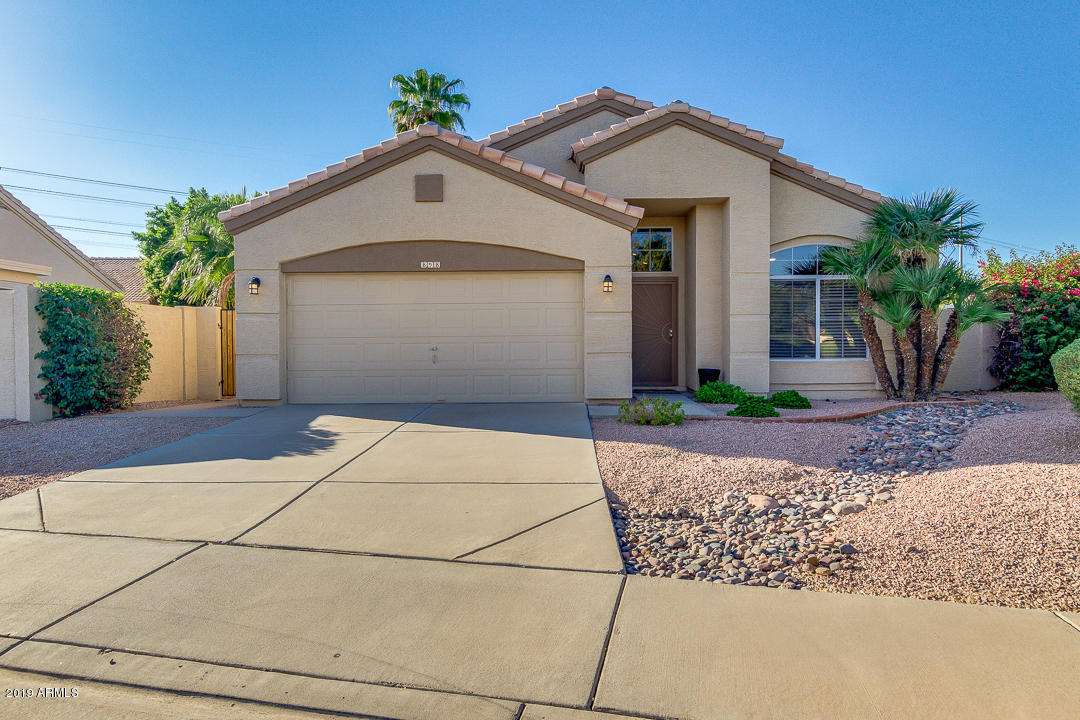 Photo of 898 N GREGORY Place, Chandler, AZ 85226