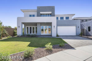 2935 S SANDSTONE Court, Gilbert, AZ 85295