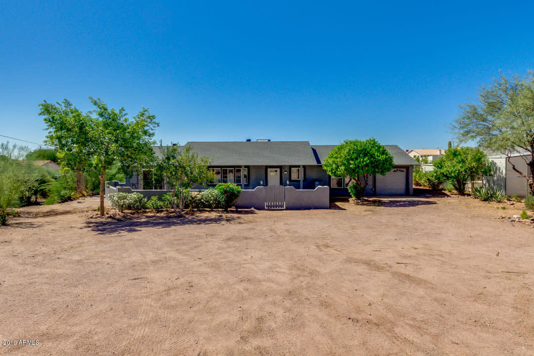 Photo of 1096 N SHOTGUN Court, Apache Junction, AZ 85119
