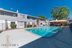 2577 W BERRIDGE Lane, D-101, Phoenix, AZ 85017