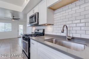 3526 E MONTECITO Avenue, 8, Phoenix, AZ 85018