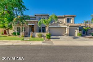 3880 E RAVENSWOOD Drive, Gilbert, AZ 85298