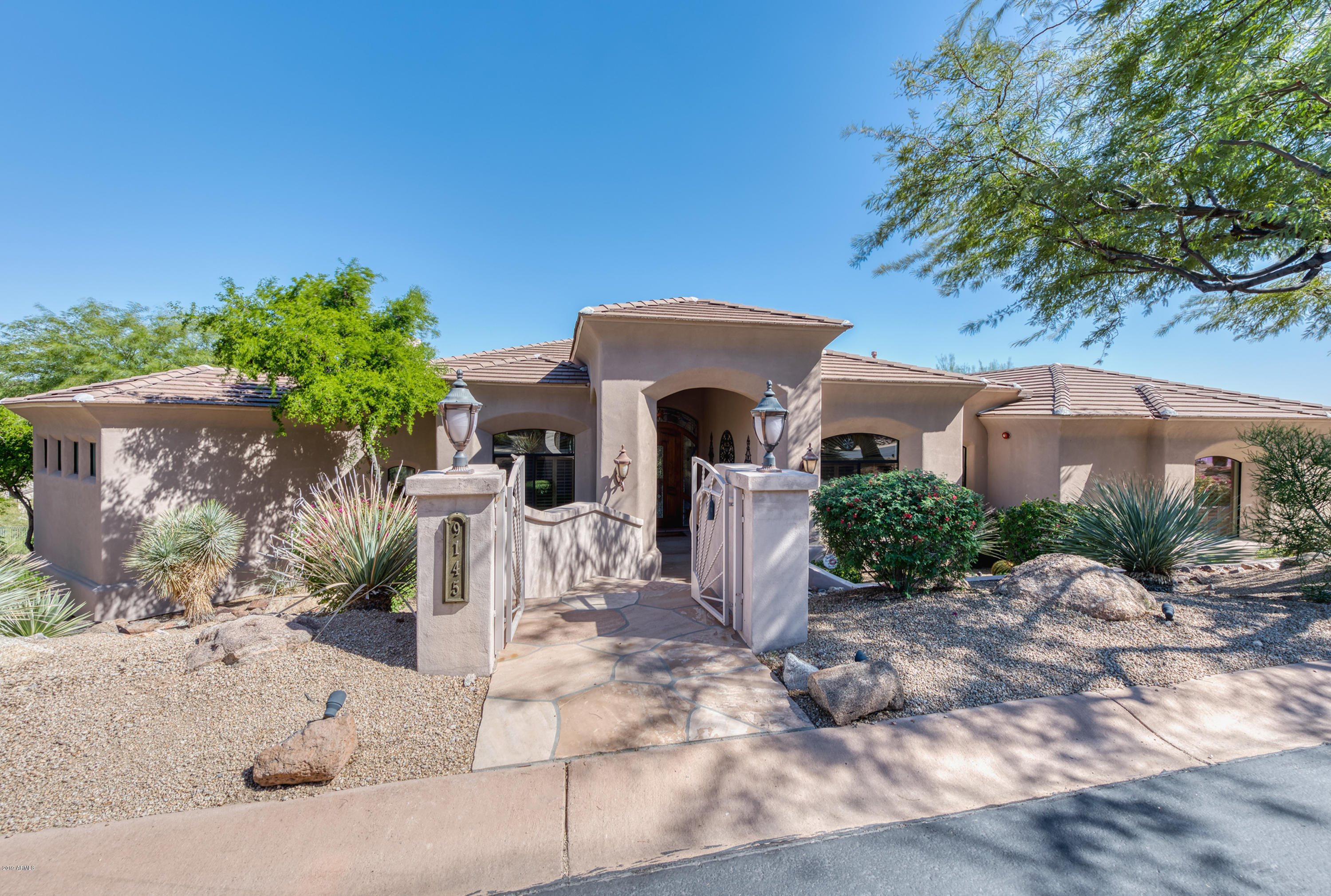 Photo of 9145 N FLYING BUTTE Drive, Fountain Hills, AZ 85268