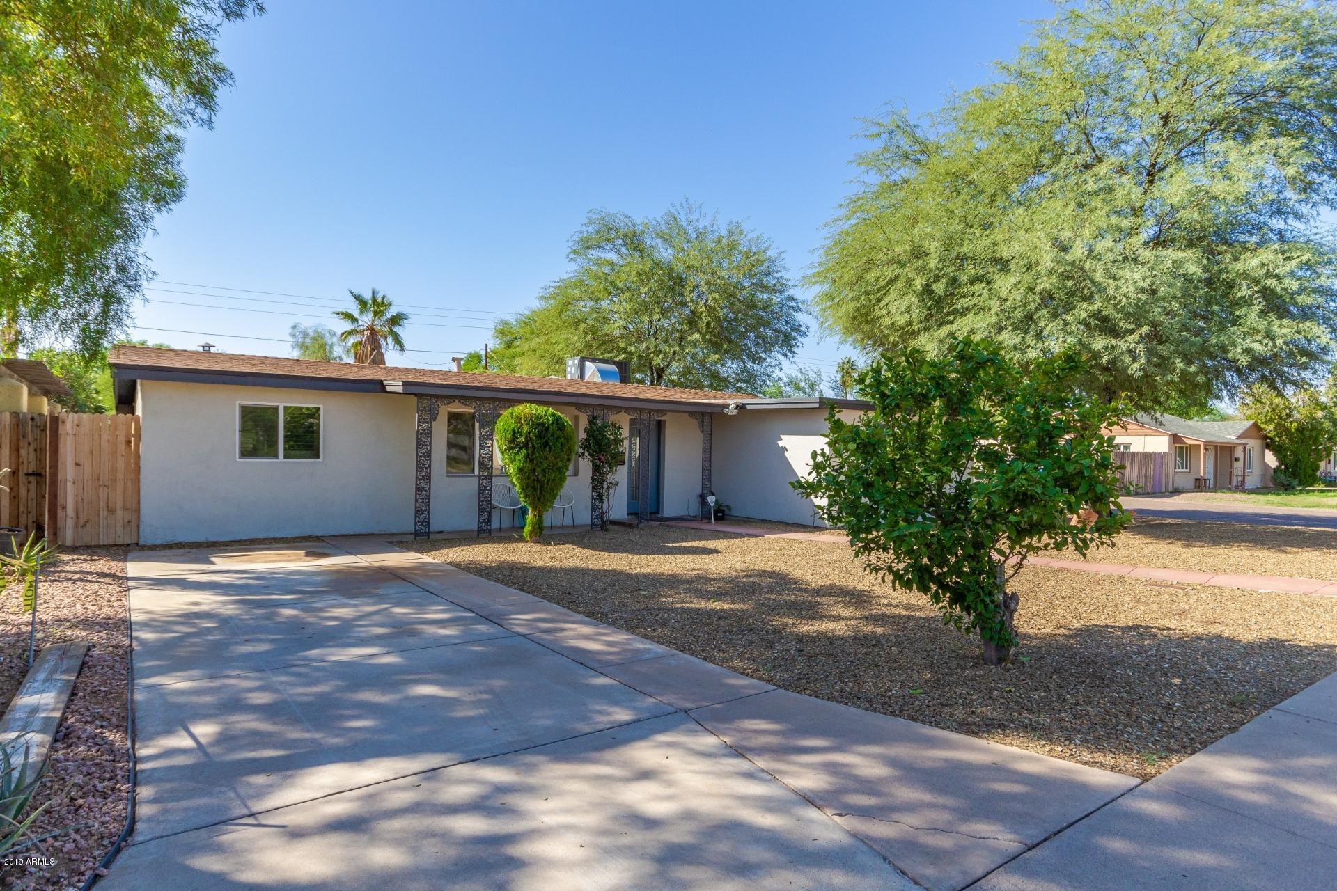 Photo of 1545 W ROMA Avenue, Phoenix, AZ 85015