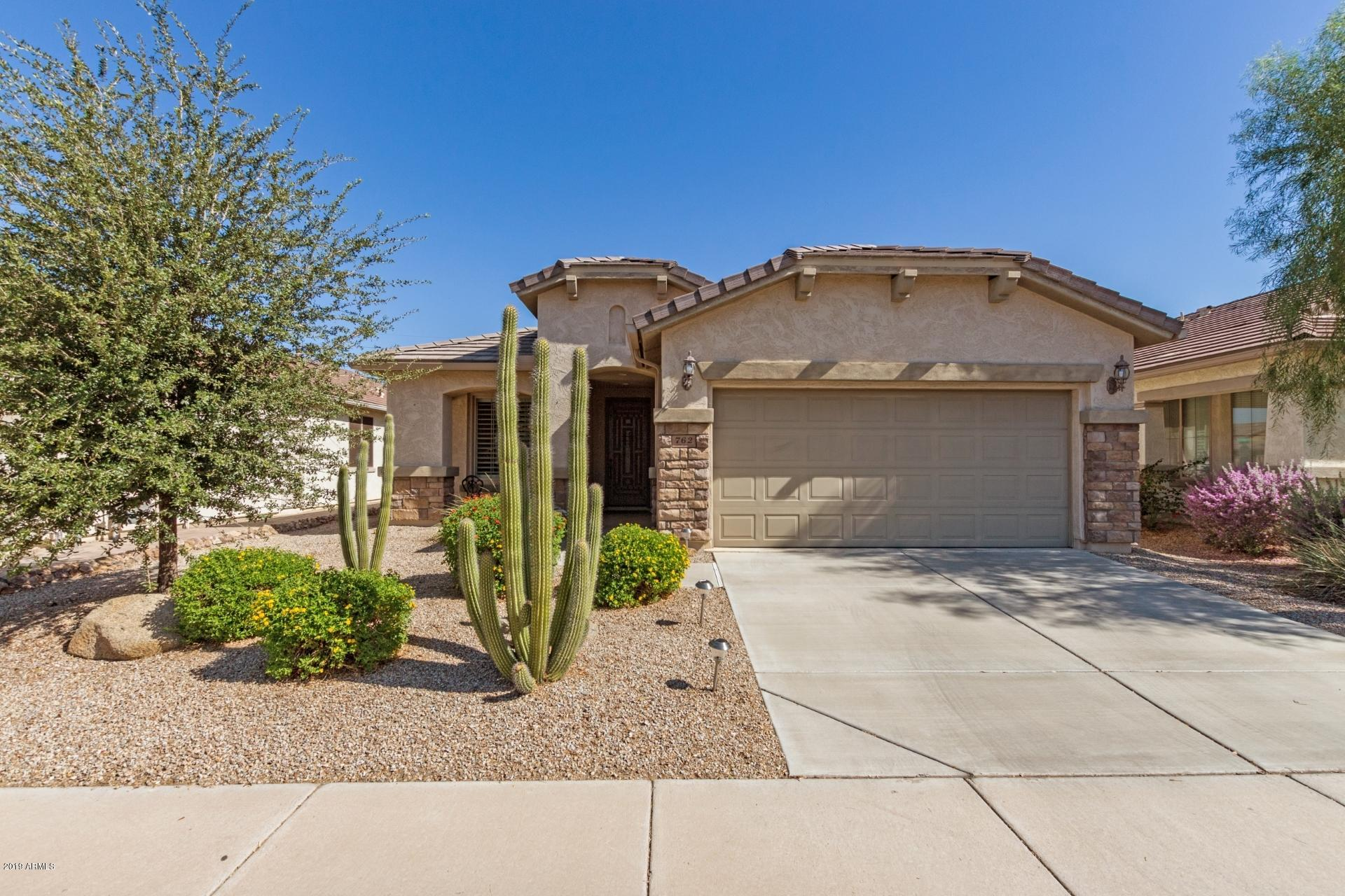 Photo of 762 W TWIN PEAKS Parkway, San Tan Valley, AZ 85143