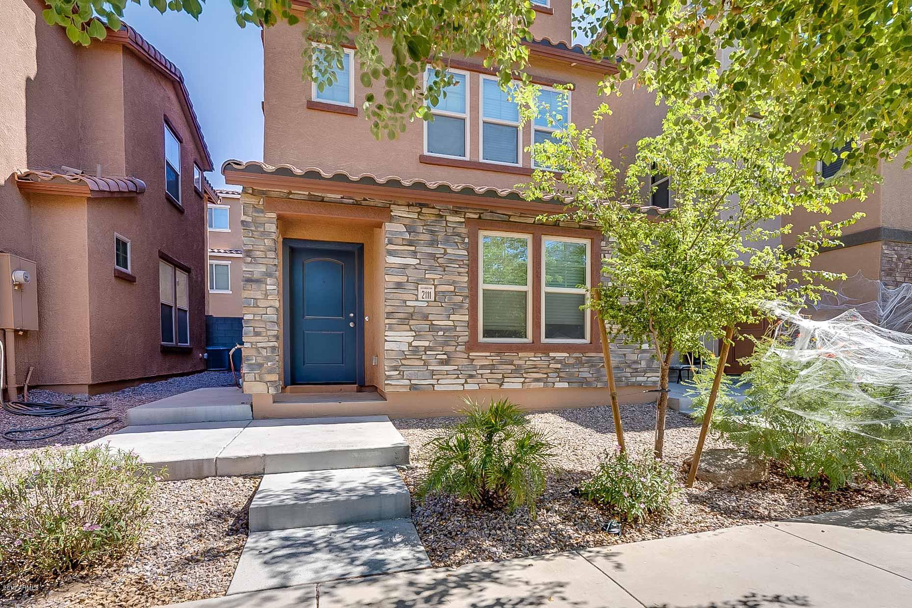 Photo of 2111 N 77TH Glen, Phoenix, AZ 85035
