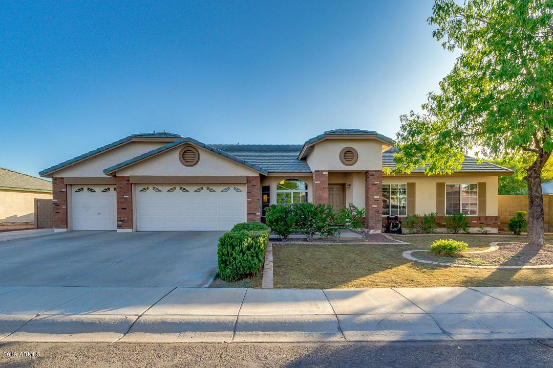Photo of 3041 E CARLA VISTA Drive, Gilbert, AZ 85295