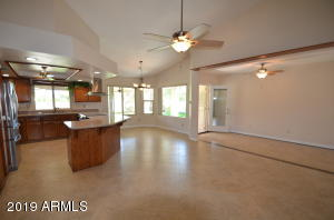 Fabulous kitchen open to large family room