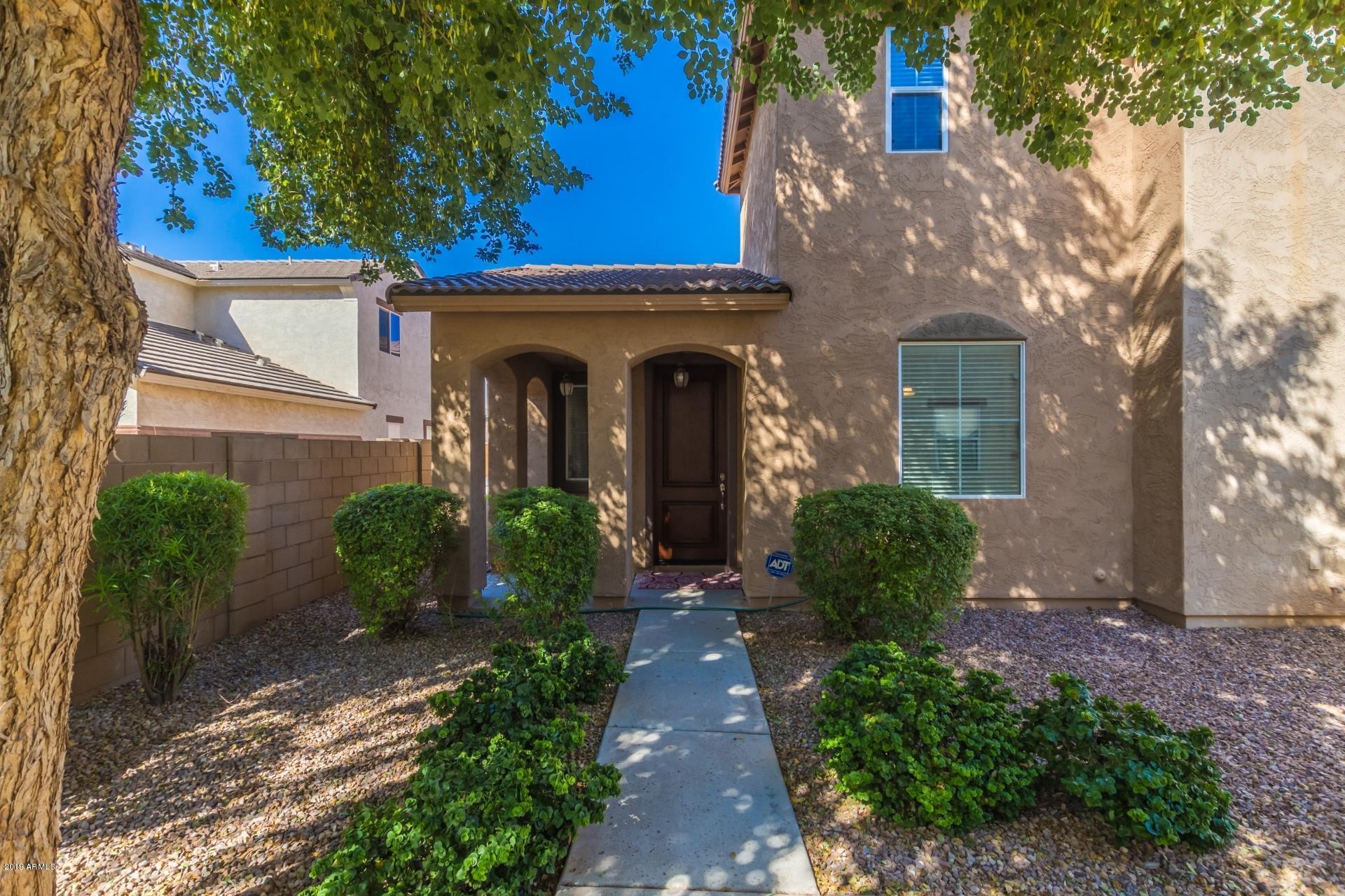 Photo of 4129 E OAKLAND Street, Gilbert, AZ 85295