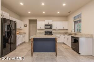 18124 W GOLDEN Lane, Waddell, AZ 85355