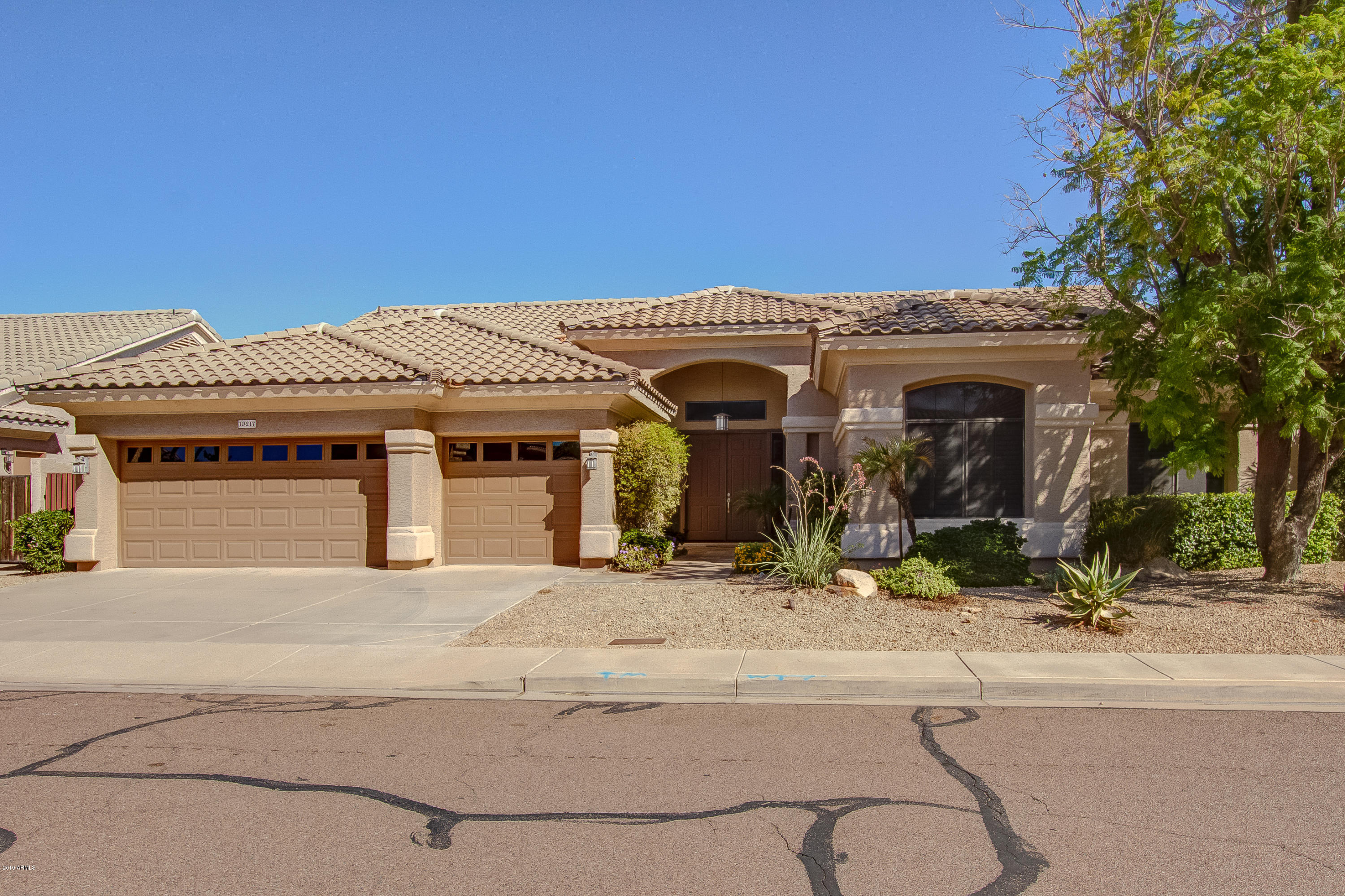 10217 N 55th Place