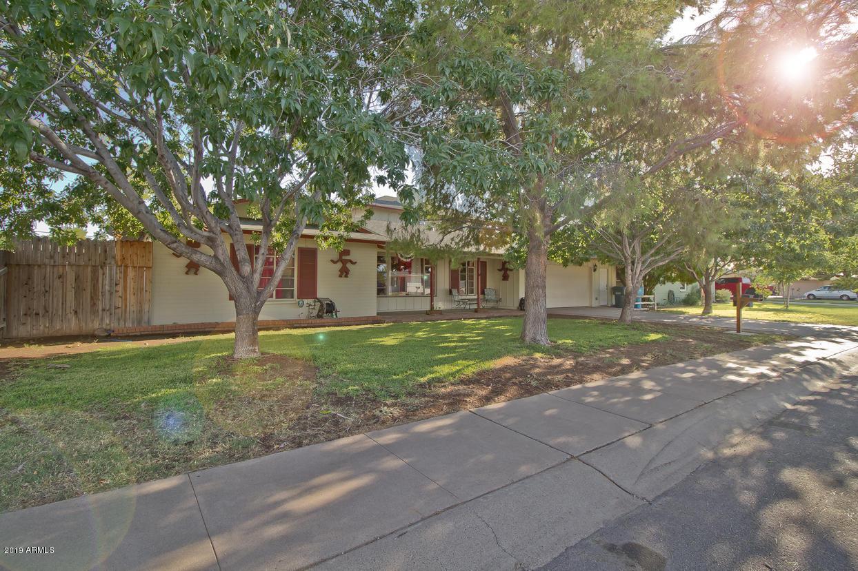 Photo of 2415 W GREENBRIAR Drive, Phoenix, AZ 85023