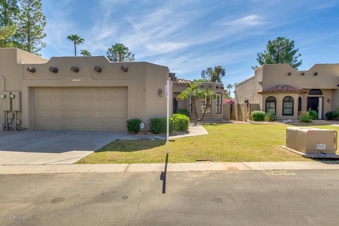 Photo of 4091 E Round Hill Drive, Phoenix, AZ 85028