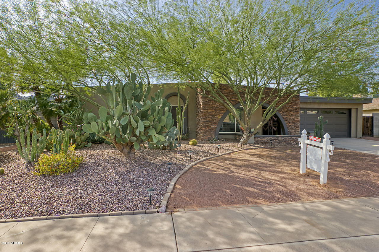 Photo of 10618 N 25 Place, Phoenix, AZ 85028