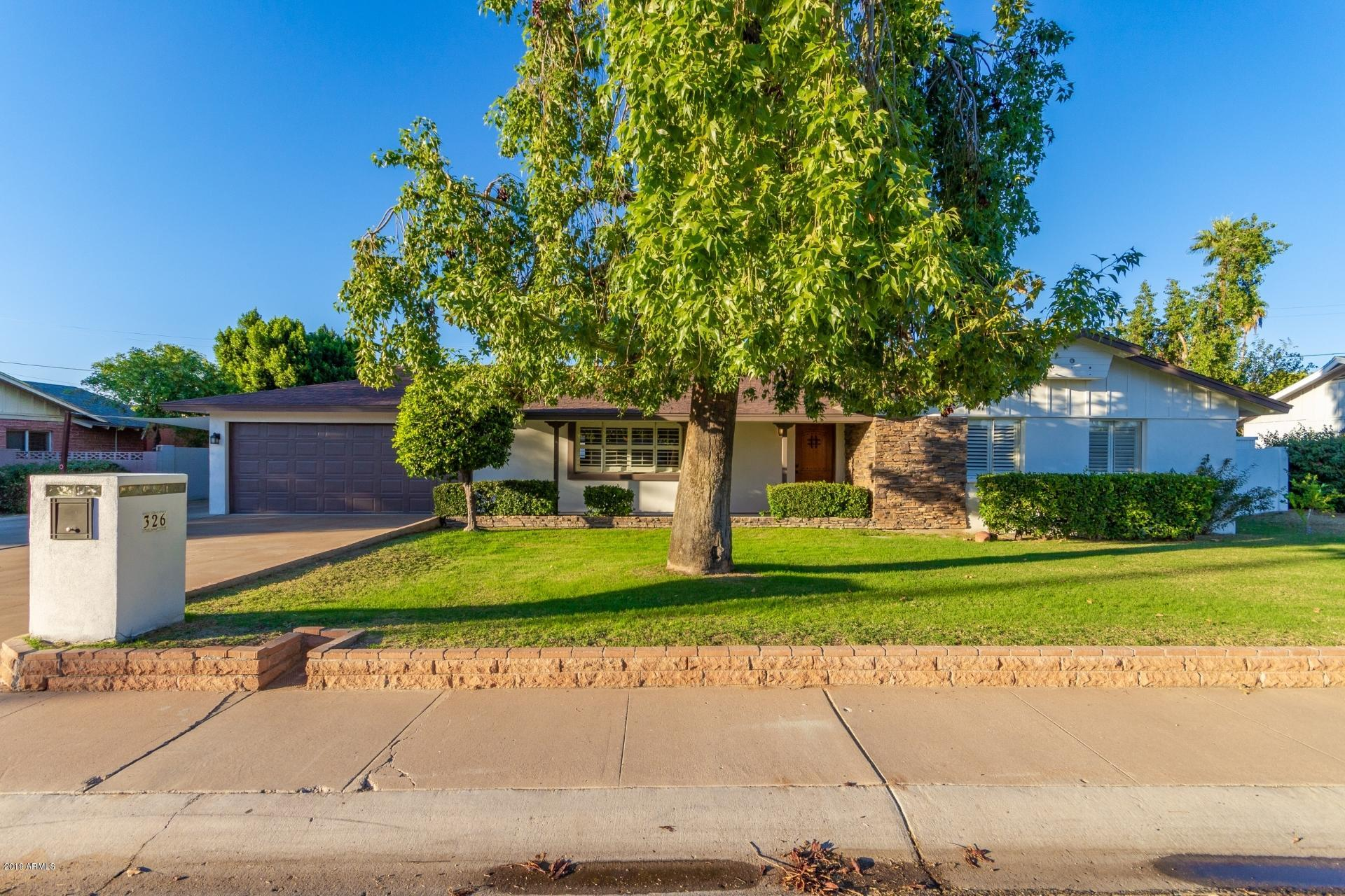 Photo of 326 W ORCHID Lane, Phoenix, AZ 85021