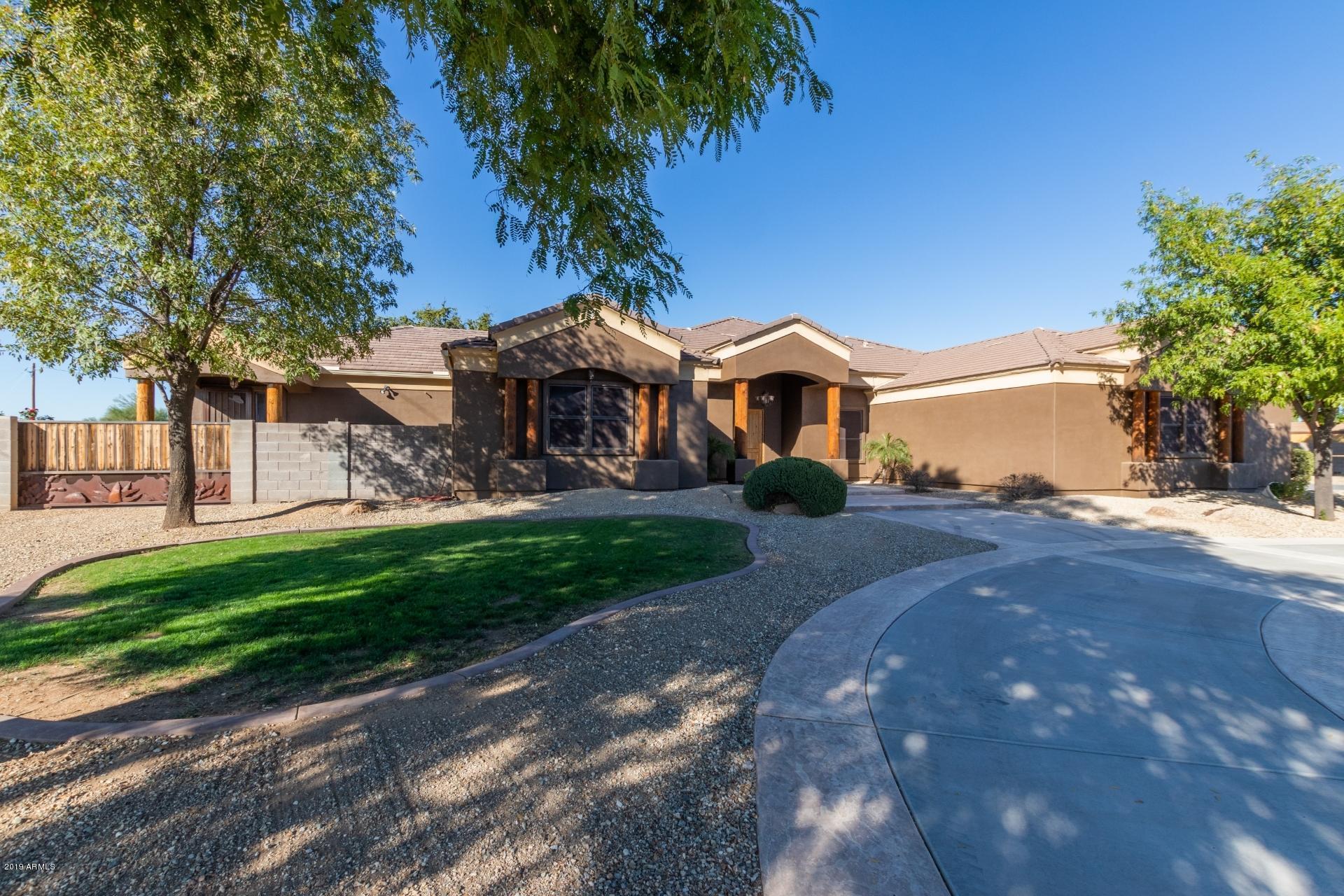 Photo of 20240 W HUNTER Drive, Wittmann, AZ 85361