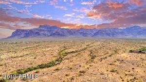4199 S LAS ARBOLEDAS Trail, Gold Canyon, AZ 85118
