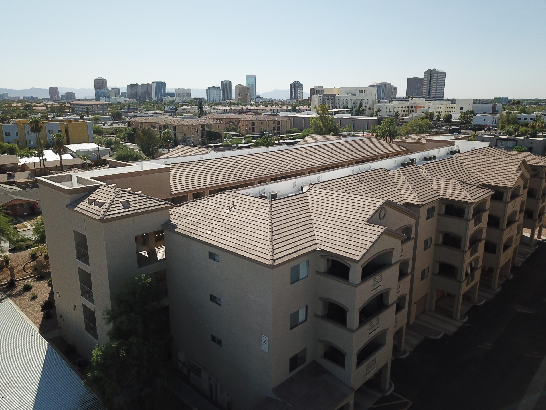 Photo of 920 E DEVONSHIRE Avenue #1006, Phoenix, AZ 85014