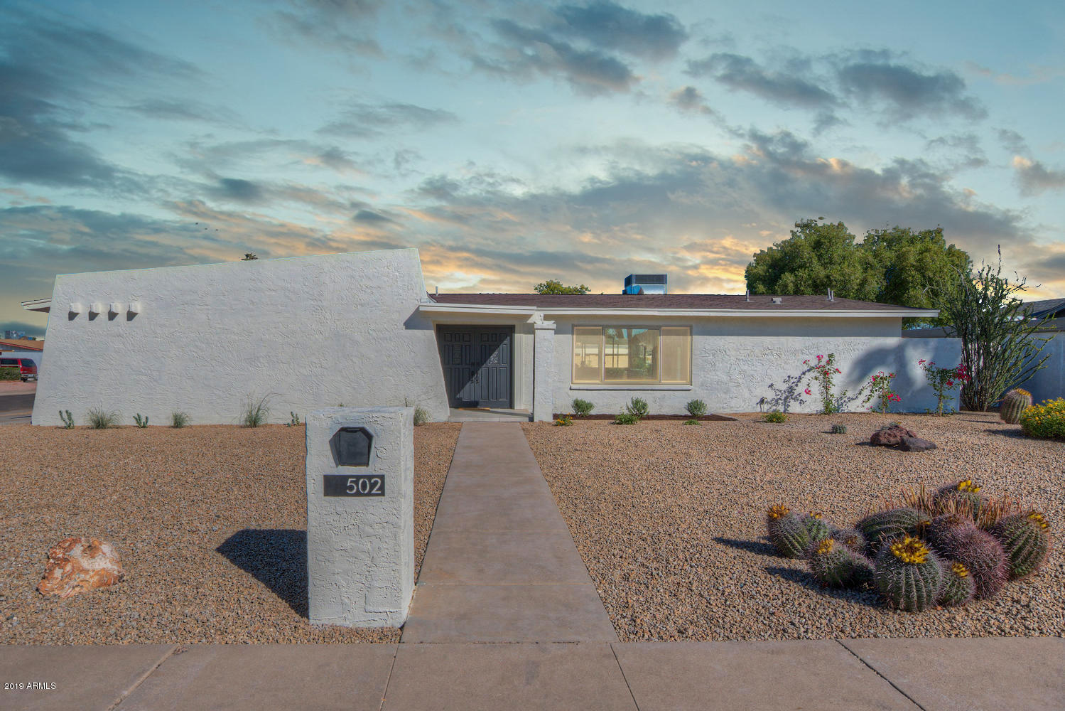 Photo of 502 E CANTERBURY Drive, Phoenix, AZ 85022