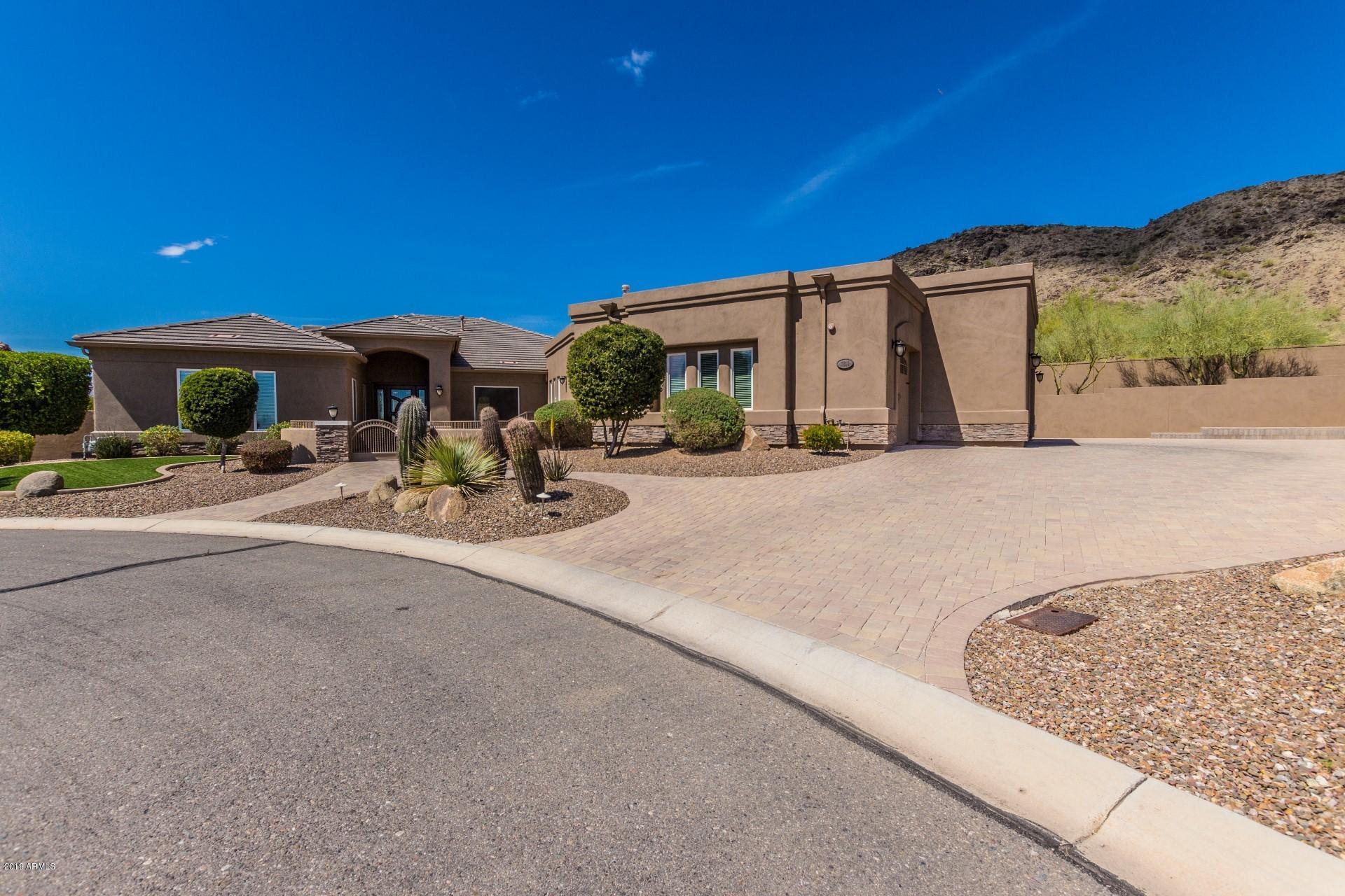 Photo of 3114 W GLENHAVEN Drive, Phoenix, AZ 85045