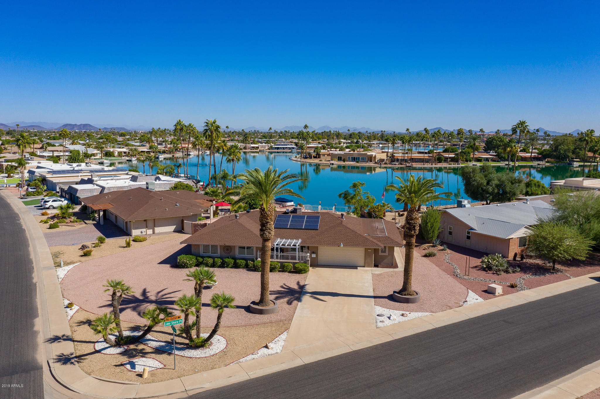 Photo of 13827 N LAKESHORE Point, Sun City, AZ 85351