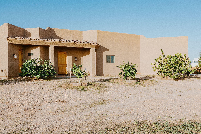 Photo of 25540 W QUAILS NEST Lane, Wittmann, AZ 85361