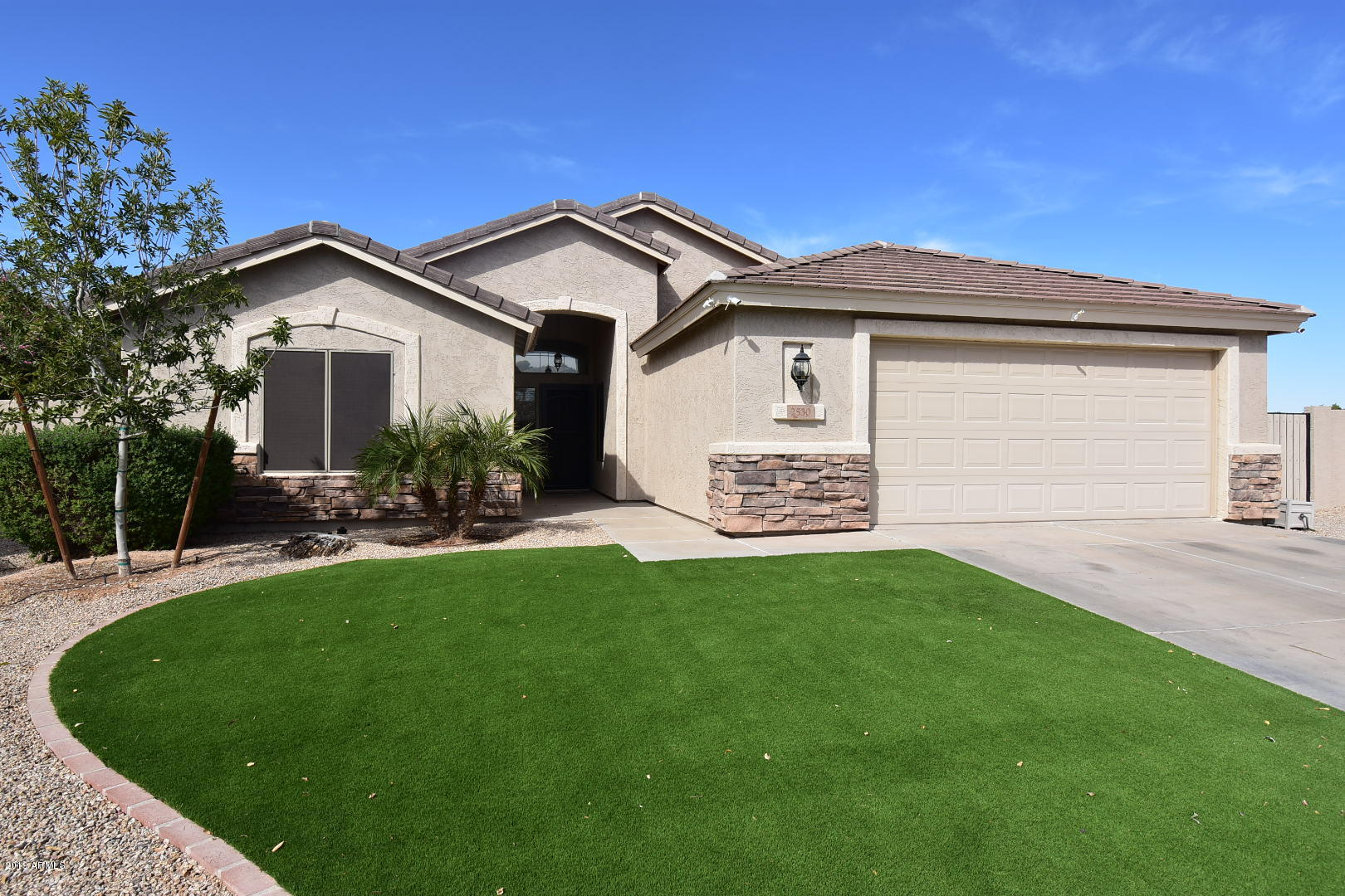Photo of 2530 S SUNLAND Drive, Chandler, AZ 85286