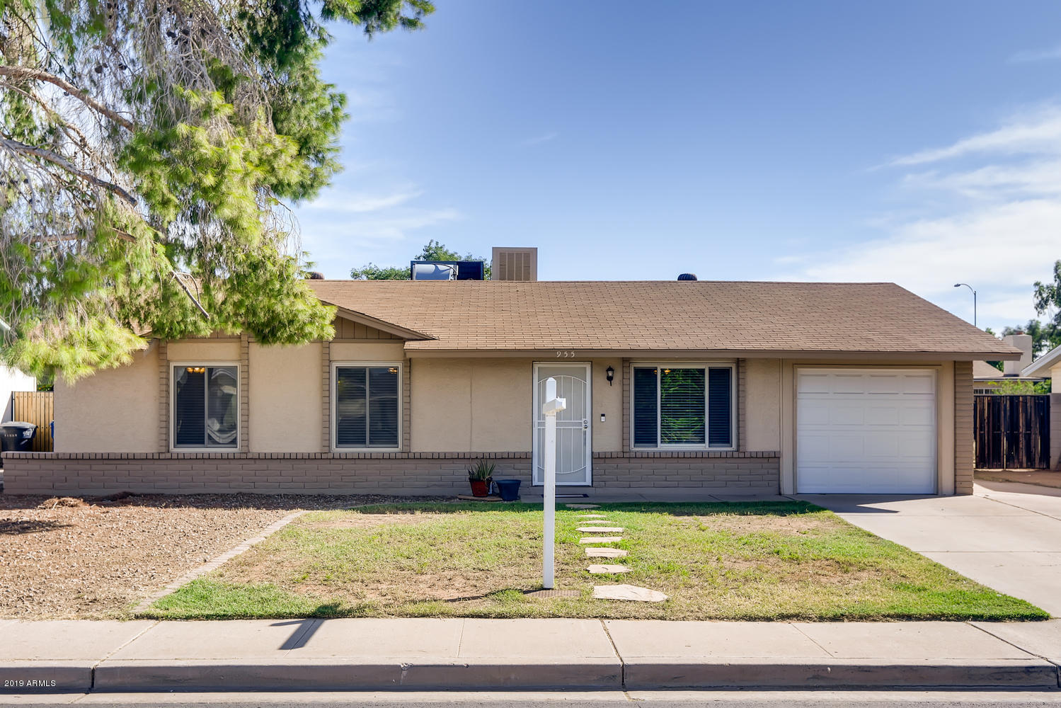 Photo of 955 S 33RD Place, Mesa, AZ 85204