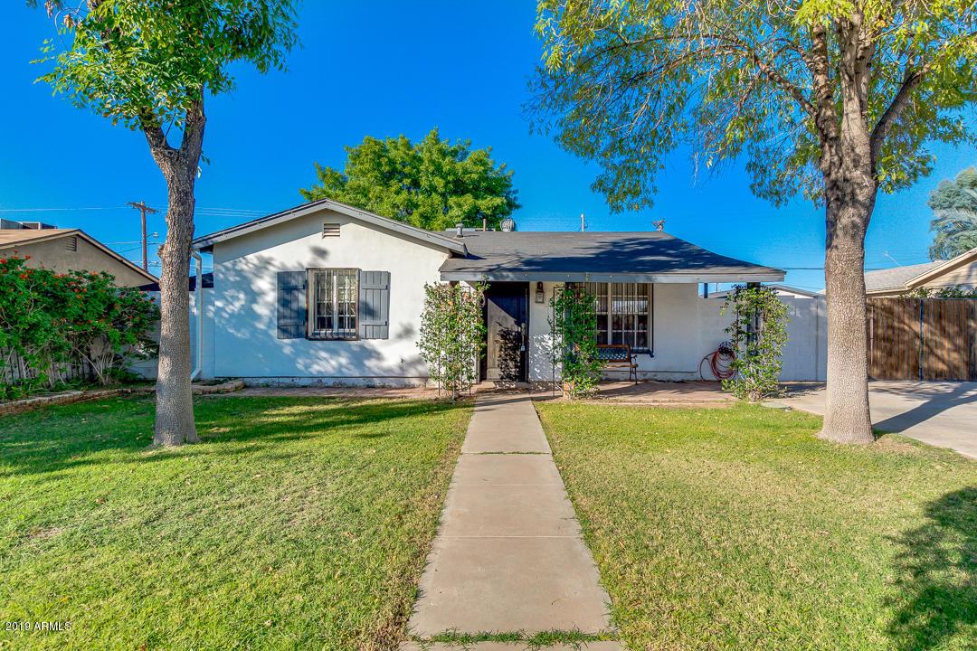 Photo of 428 W FLINT Street, Chandler, AZ 85225
