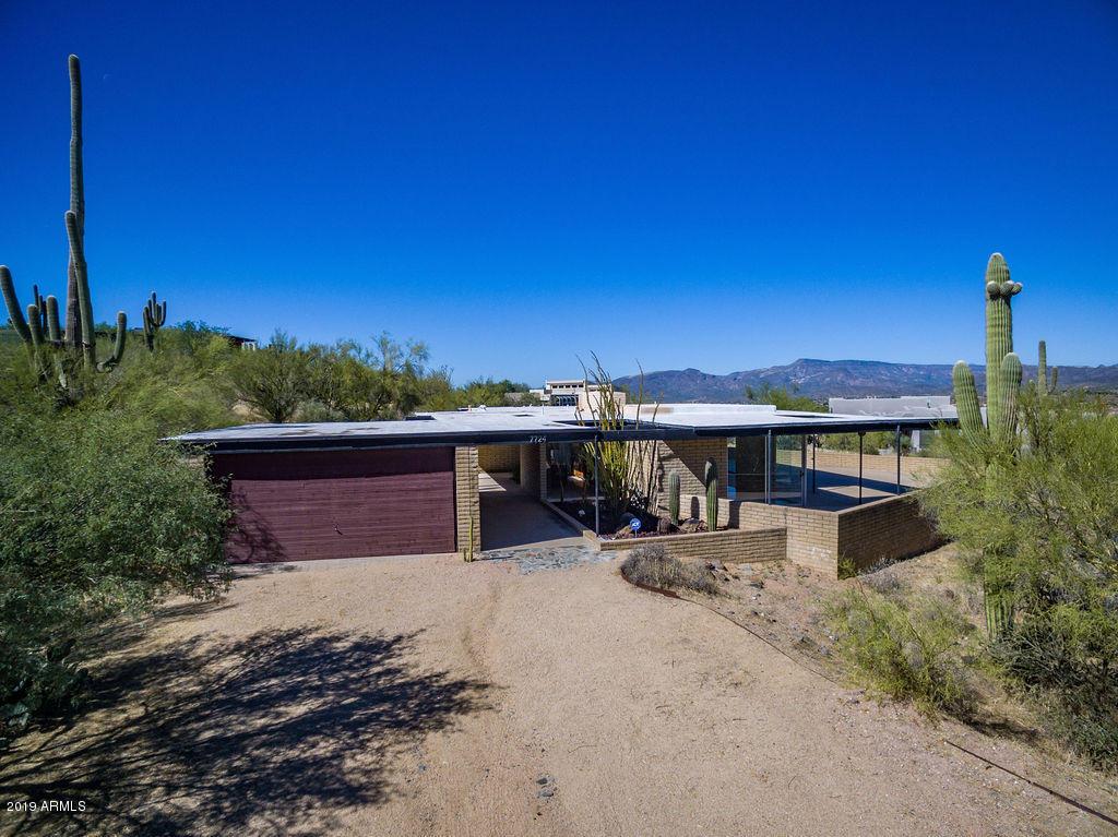 Photo of 7724 E LONG RIFLE Road, Carefree, AZ 85377