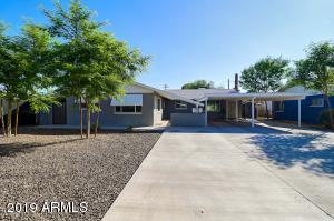 Front of Property 1 - Duplex with two units (4621 and 4623 N 14th Street) in prime location - Newer paint, drive way, landscaping