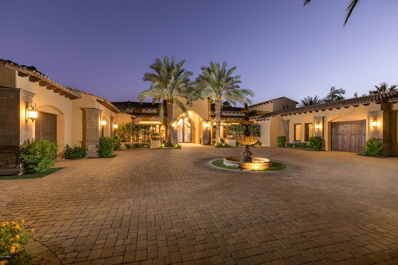 Photo of 6425 E MOCKINGBIRD Lane, Paradise Valley, AZ 85253
