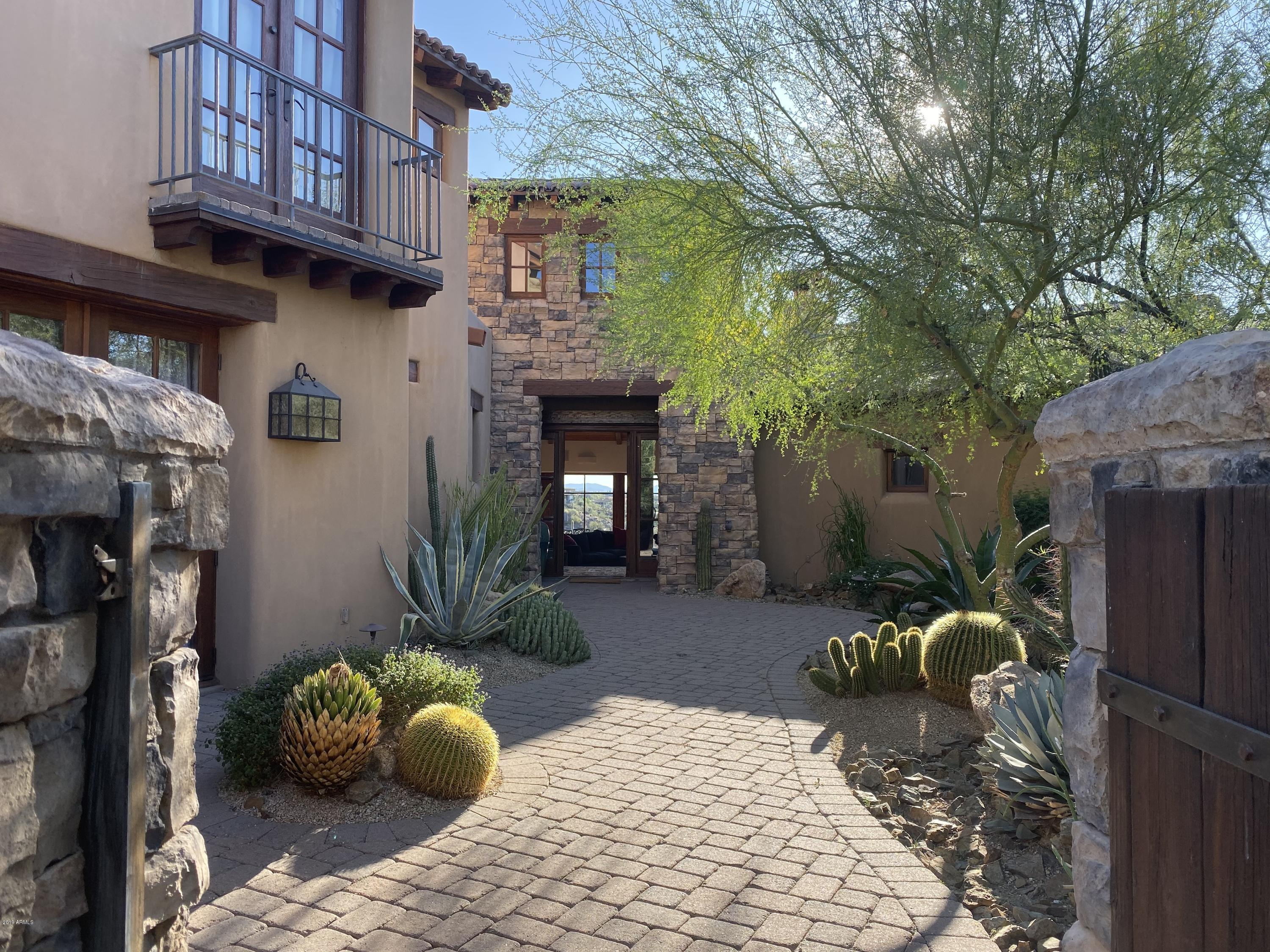 Photo of 42387 N SAGUARO FOREST Drive, Scottsdale, AZ 85262