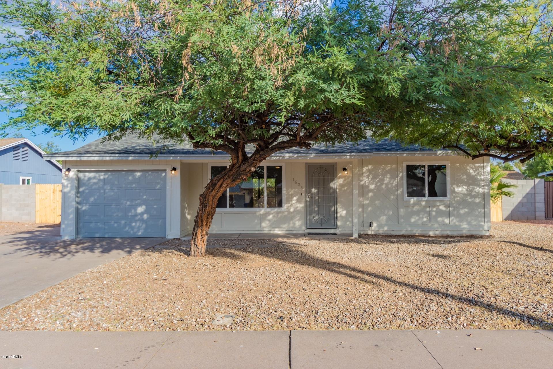 Photo of 1628 W STOTTLER Drive, Chandler, AZ 85224