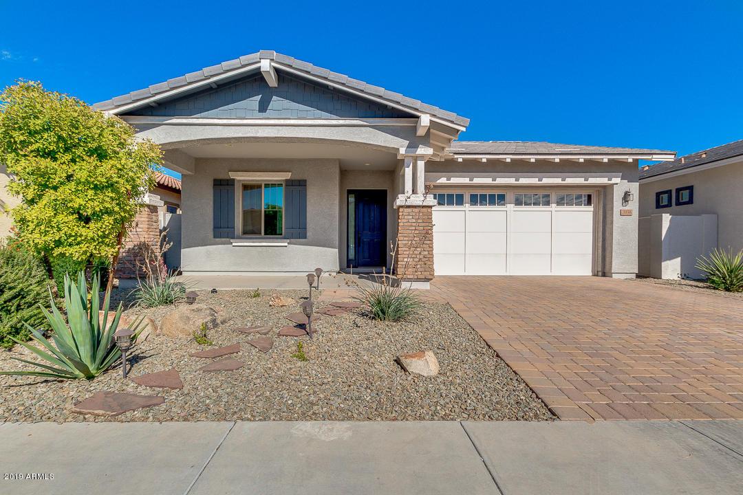 Photo of 3938 E RAKESTRAW Lane, Gilbert, AZ 85298
