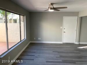 9037 N 52ND Avenue, Glendale, AZ 85302