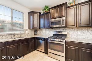 9158 W COOLBROOK Avenue, Peoria, AZ 85382