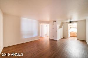17 E RUTH Avenue, 103, Phoenix, AZ 85020