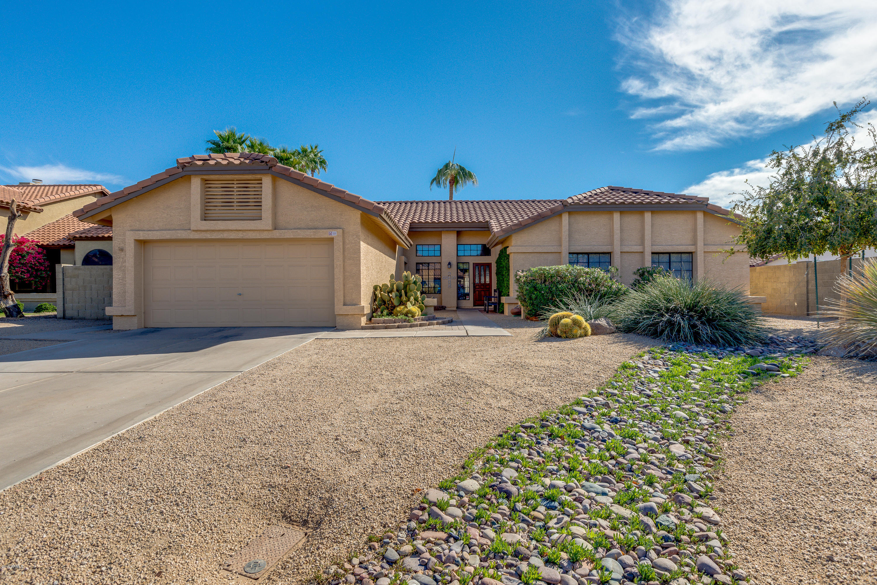 Photo of 33 S RIATA Drive, Gilbert, AZ 85296