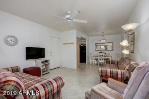 7008 E GOLD DUST Avenue, 136, Paradise Valley, AZ 85253