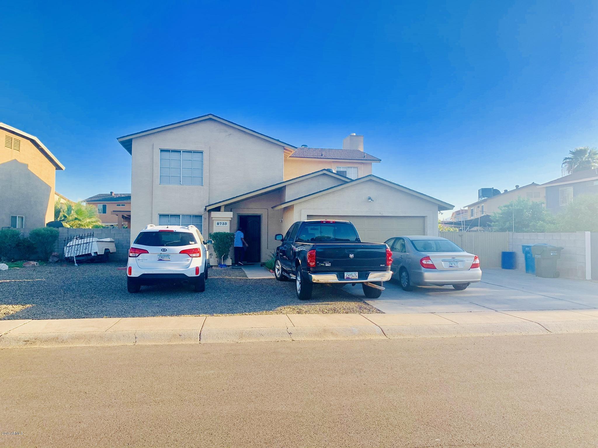 Photo of 8733 W LEWIS Avenue, Phoenix, AZ 85037