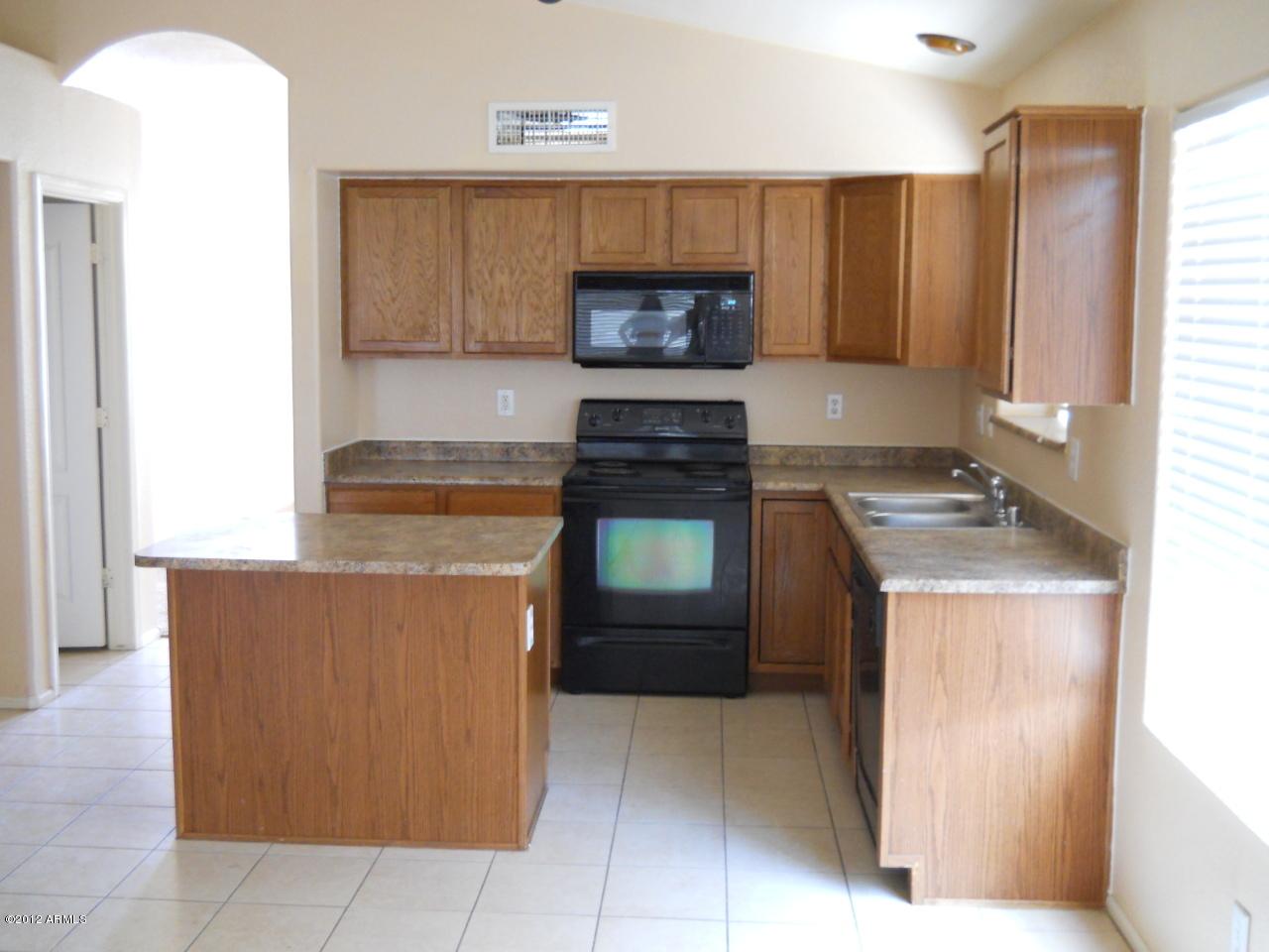 Photo of 15837 W DIAMOND Street, Goodyear, AZ 85338