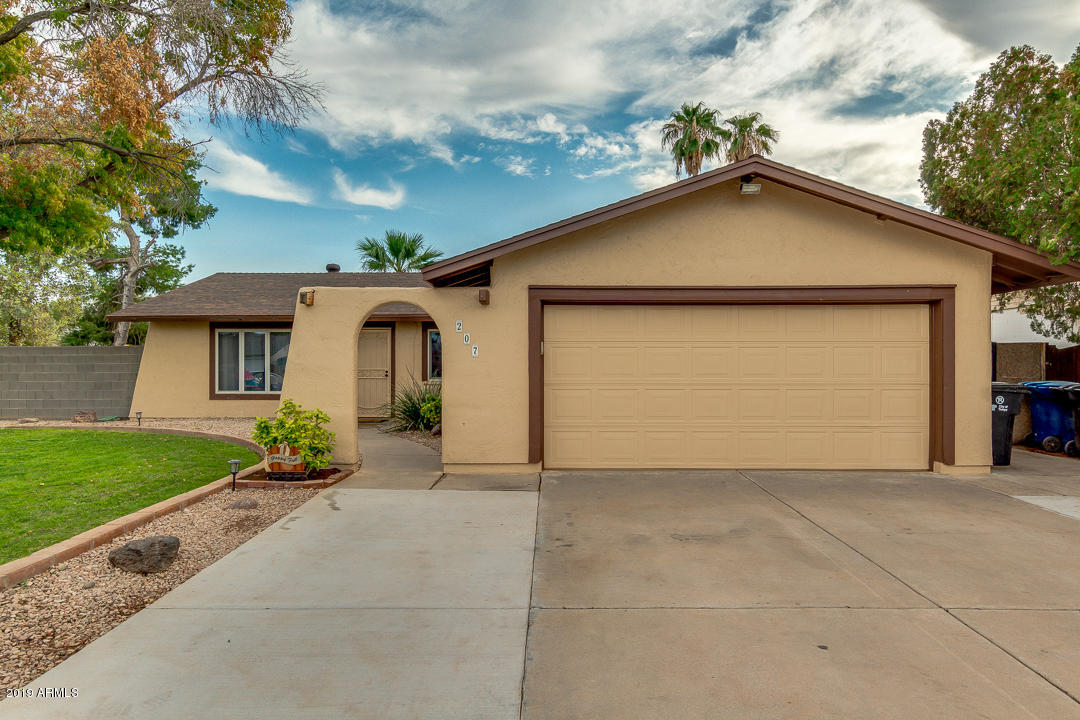 Photo of 207 E STRAHAN Drive, Tempe, AZ 85283