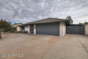 1437 S COCHISE Street, Mesa, AZ 85204