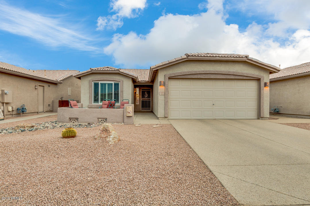 Photo of 1372 E CHERRY HILLS Drive, Chandler, AZ 85249