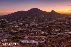7025 N INVERGORDON Road, 00, Paradise Valley, AZ 85253