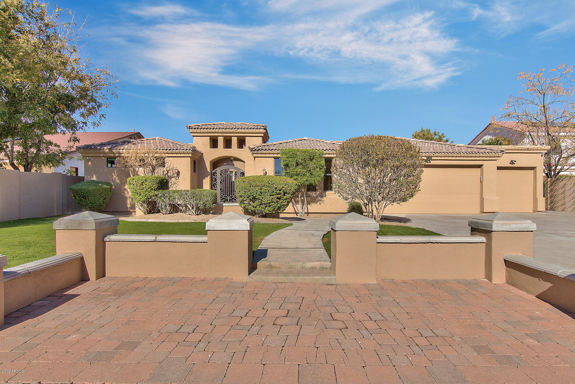 Photo of 346 E TUCKEY Lane, Phoenix, AZ 85012